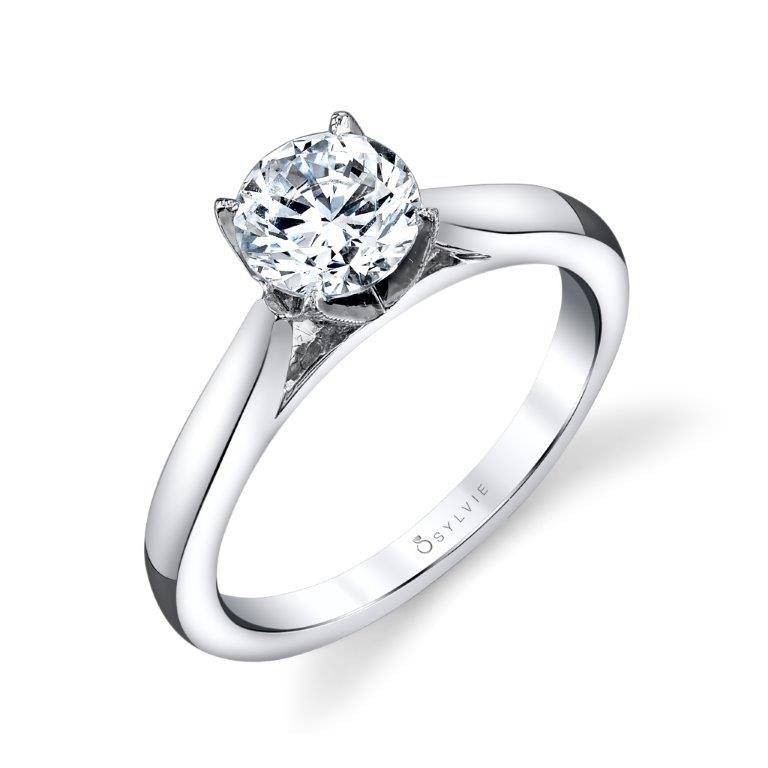 Lucrèce – Modern Solitaire Engagement Ring