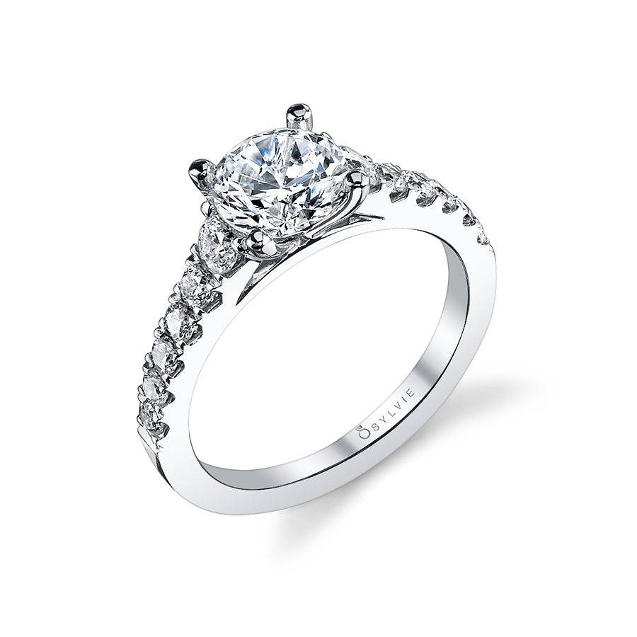 Luna – Classic Solitaire Diamond Engagement Ring