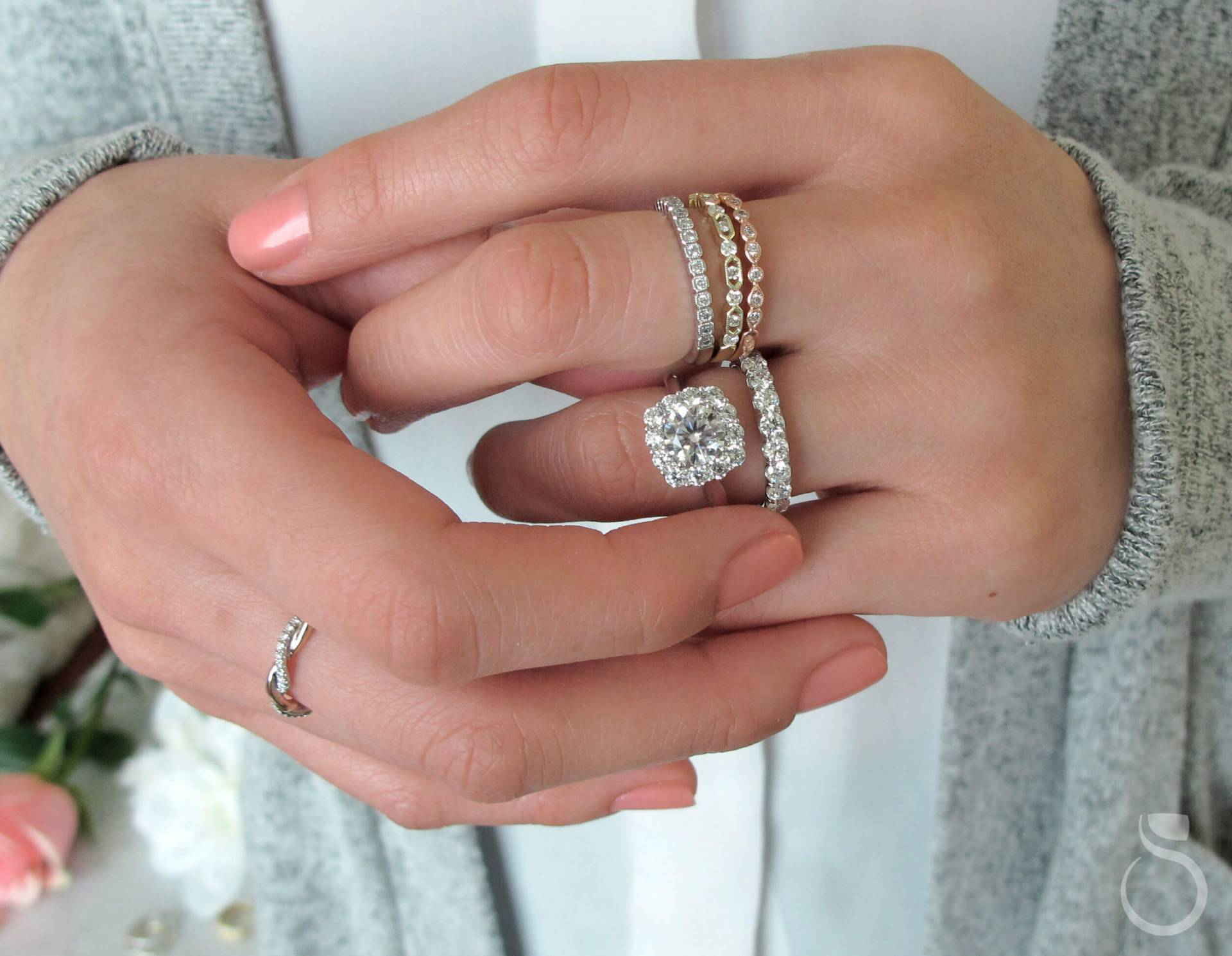 How to Take Perfect Engagement Ring Photos pictures
