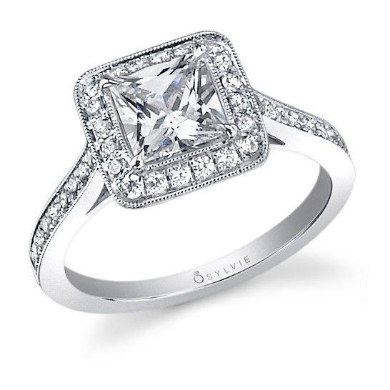 Yvette – Classic Princess Cut Engagement Ring