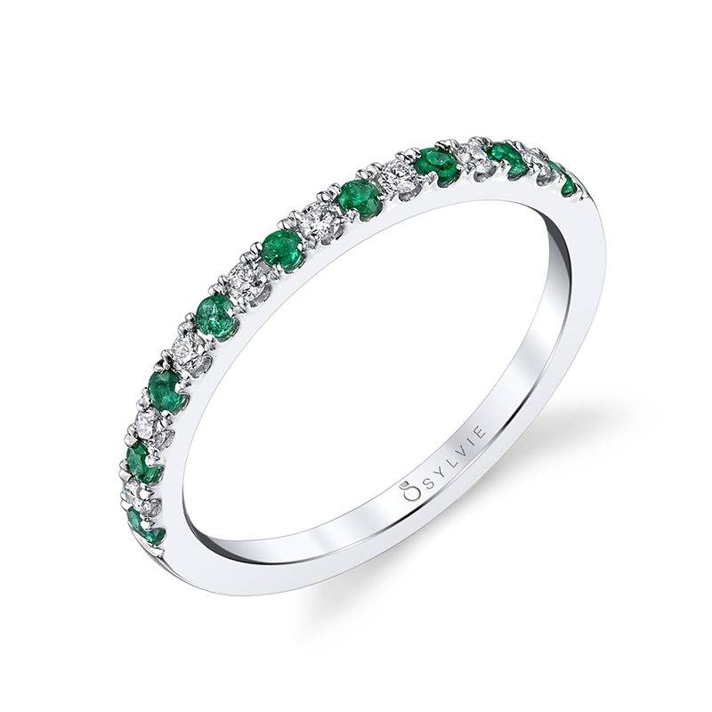 Classic Emerald & Diamond Wedding Band